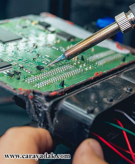نشانه خرابی ایسیو و تعمیر کامپیوتر خودرو